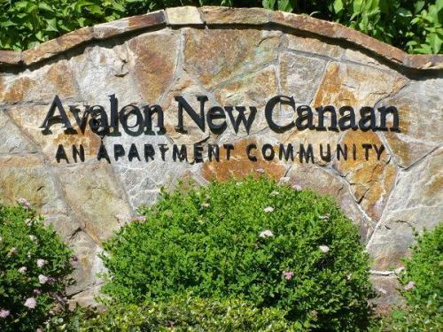 100 Avalon Drive E 7123 Photo 1