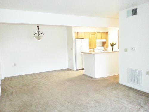 Philip C. Dean Apartments Photo 1