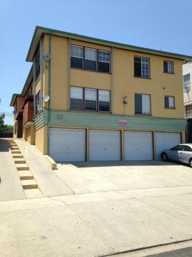 1337 S Mansfield Avenue #1 Photo 1