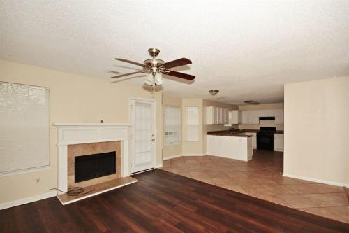 4627 Laura Place Photo 1