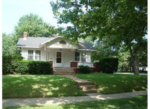 753 N Woodrow Avenue Photo 1