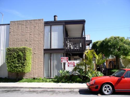 52 Bennett Avenue #8 Photo 1