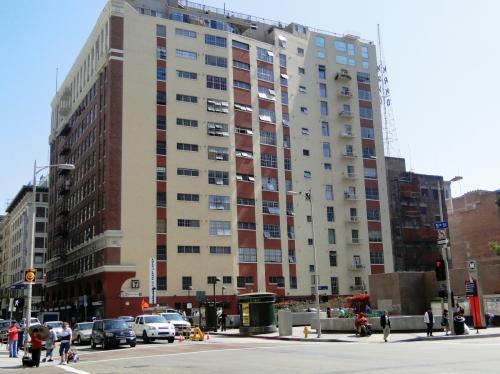 312 W 5th Street Photo 1