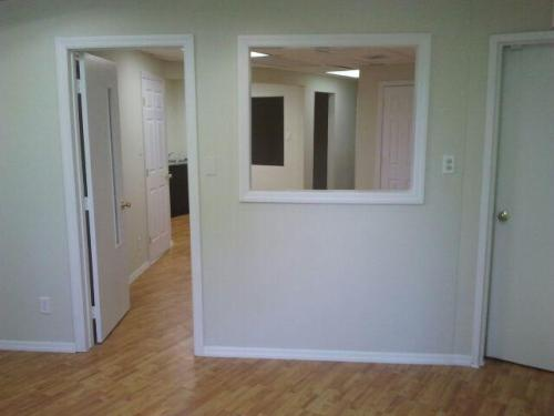 Commercial Space--Short Term Lease Available 2 Photo 1