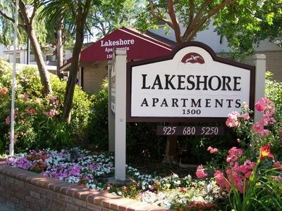 Lakeshore Photo 1