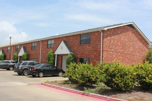 Mark IV Apartments Photo 1
