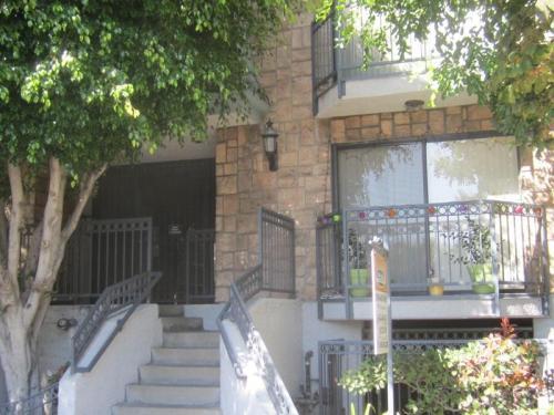 211 W Verdugo Ave Photo 1