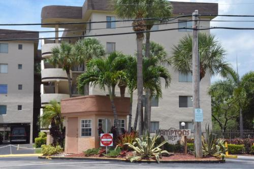 8010 Hampton Boulevard #315 Photo 1