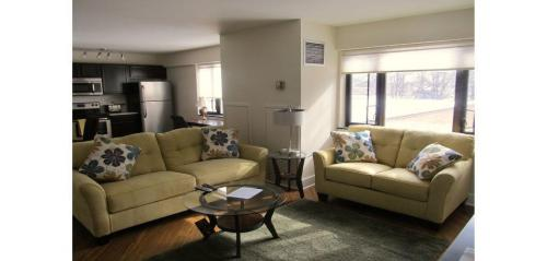 Lovell Square Apartments Photo 1
