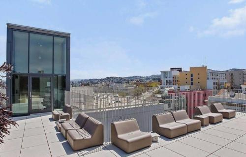 8 Octavia Street #1 PENTHOUSE Photo 1