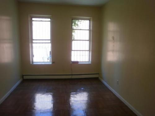 One bedroom apartment Photo 1