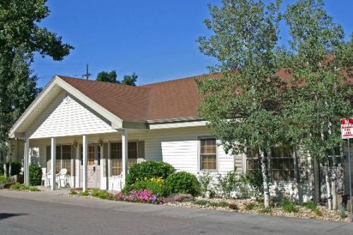 Heritage Apartments 10440 Photo 1