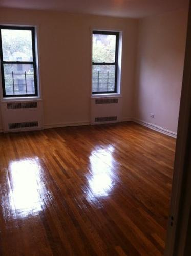 Huge 2 Bedroom Apartment! Elevator & Laundry In... 3O Photo 1