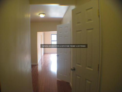 Renovated 3BR apartment for rent in Kew Gardens. Photo 1