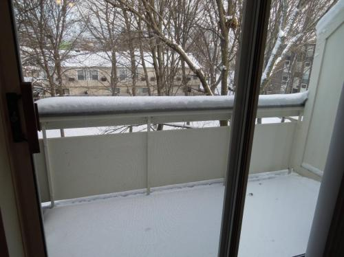 Bronsdon st, $1916, HT/HW/Elect incl, wall A/C ... C Photo 1