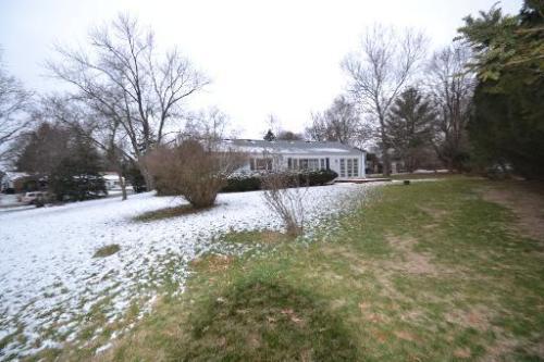 828 Winmoor Drive Photo 1