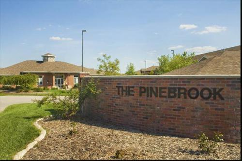Pinebrook Apartments Photo 1