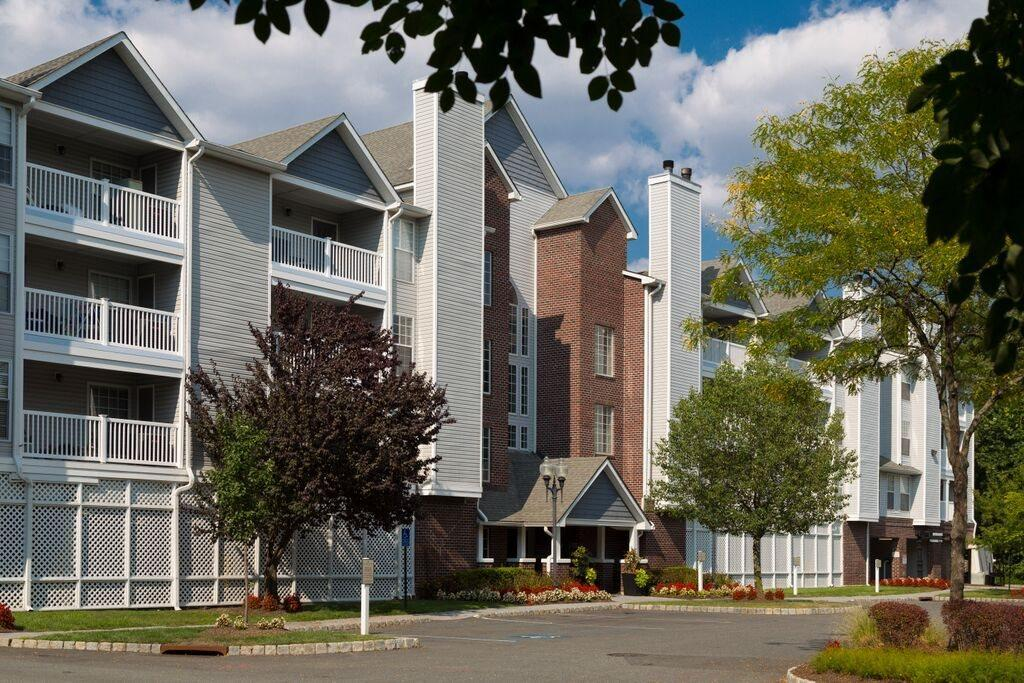 Mountain View Crossing at 650 State Route 23, Wayne, NJ 07470 ...