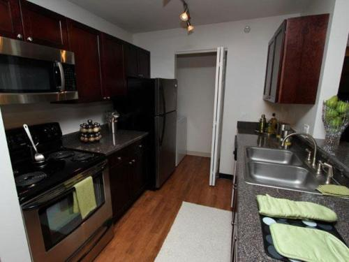 Stratford Place Apartments Photo 1