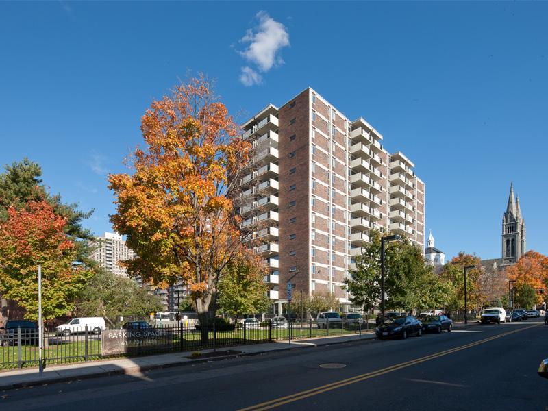 Longwood Apartments Photo 1