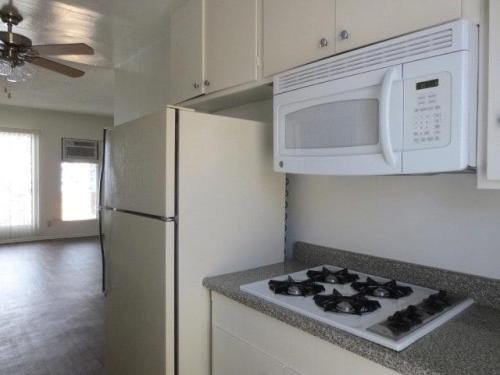 Los angeles ca apartments for rent from 950 to 8 8k a - Bedrooms for rent in los angeles ...
