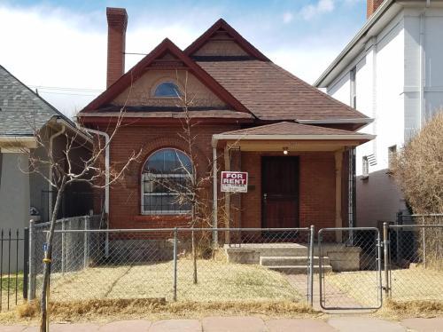 3427 N Marion Street Photo 1