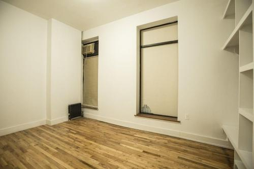 1316 Willoughby Avenue #1 Photo 1