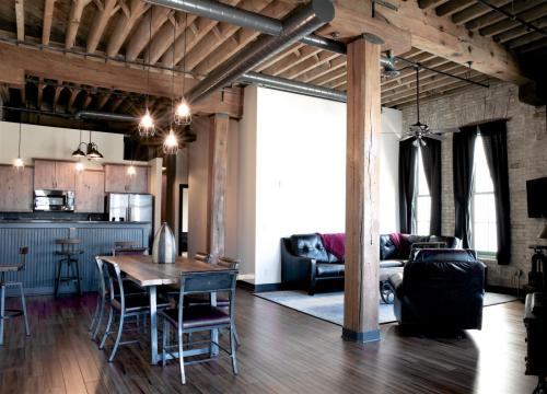Pritzlaff Lofts Photo 1
