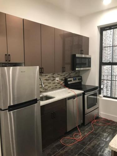 E 138th Streetroom For Rent Photo 1
