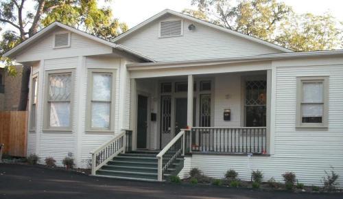 354 Claremont Avenue Photo 1