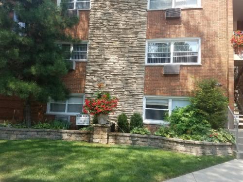 907 Washington Street Photo 1
