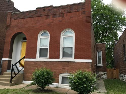 725 Wilmington Avenue Photo 1