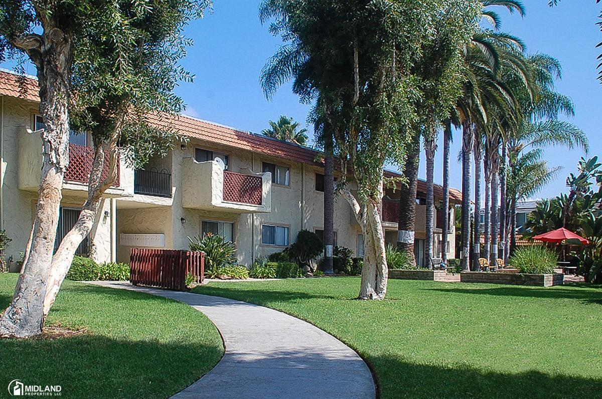 Villa Hermosa Apartments Escondido Ca From 3 900 Per Month Hotpads