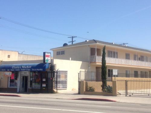 5506 W Adams Boulevard #7 Photo 1