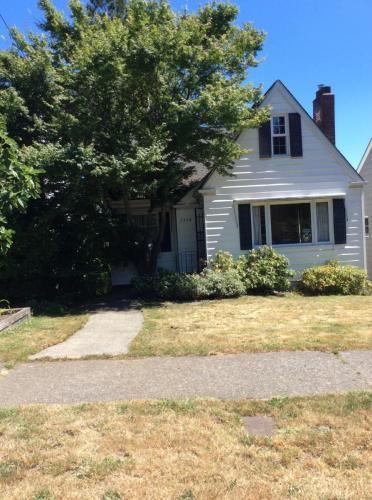 5534 36th Avenue NE Photo 1