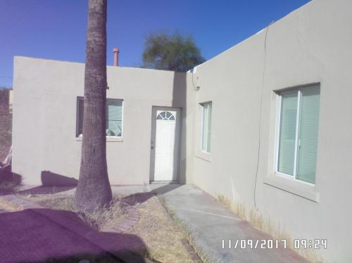 3865 N Tyndall Avenue #1 Photo 1