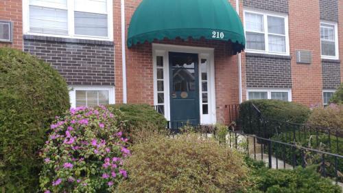 210 Hillside Avenue Photo 1