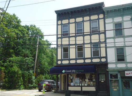 108 Main Street Photo 1