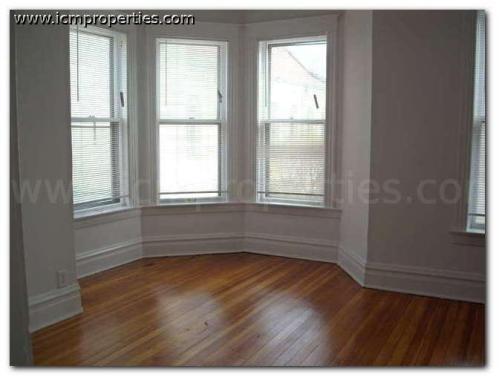 1405 W Belden Avenue Photo 1