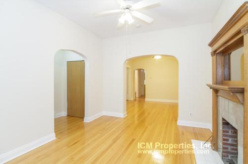 3341 N Kenmore Avenue Photo 1
