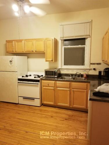 3343 N Kenmore Avenue Photo 1