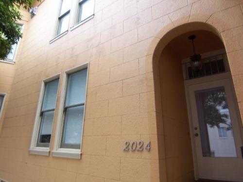 2024 Leavenworth Street Photo 1