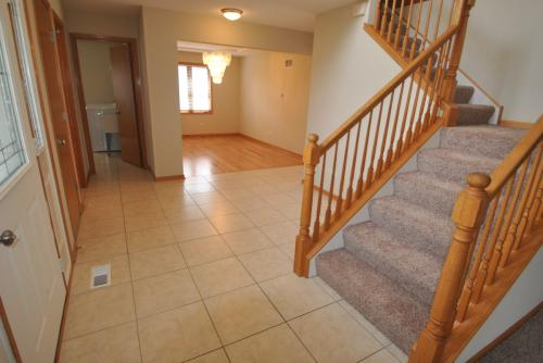908 Willow Road Photo 1
