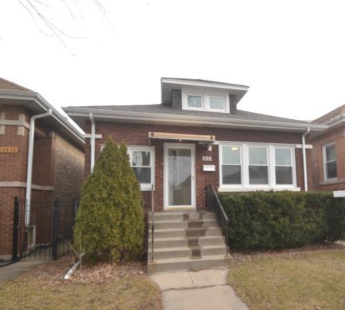 2831 N Kostner Avenue Photo 1