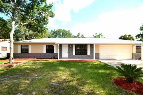 4514 Orangebrook Drive Photo 1