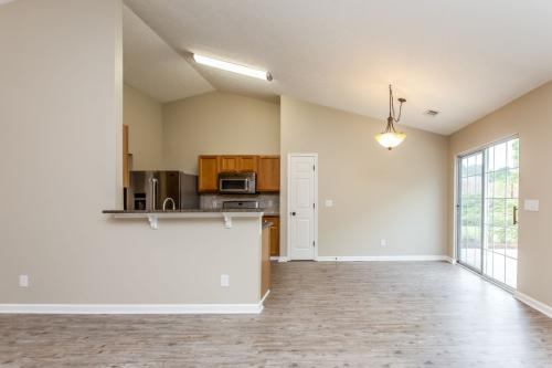 424 Crested View Drive Photo 1