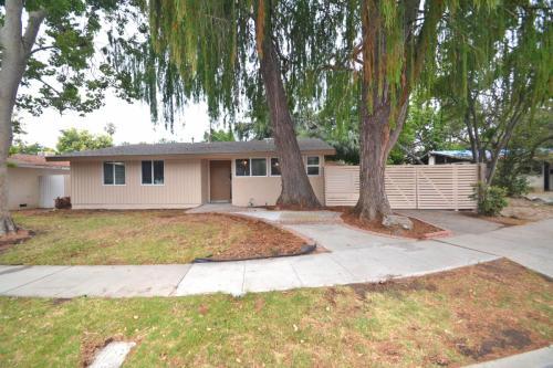 8235 Garden Grove Avenue Photo 1