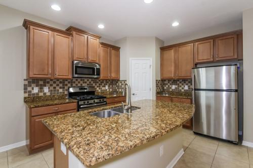 15308 Starling Crossing Drive Photo 1