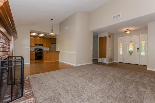 1214 Cresthaven Drive Photo 1