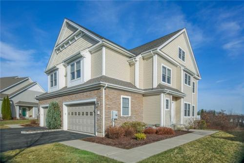 6 Turnberry Ln #6 Photo 1